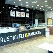 RUSTICHELLI-E-MANGIONE-BANCONE